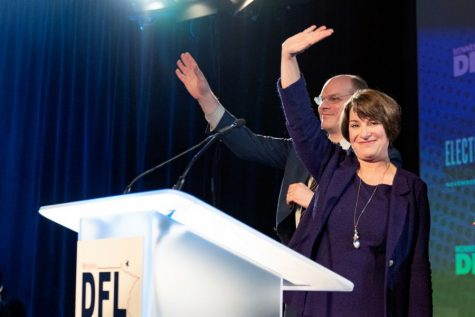 Amy Klobuchar at the Minnesota DFL election night party. Source: Lorie Shaull, Flickr (https://www.flickr.com/photos/number7cloud/43942358350)